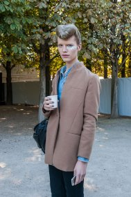 Paris-fashion-week-street-style-day-2-september-2015-the-impression-015