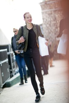 Paris-fashion-week-street-style-day-6-october-2015-the-impression-026