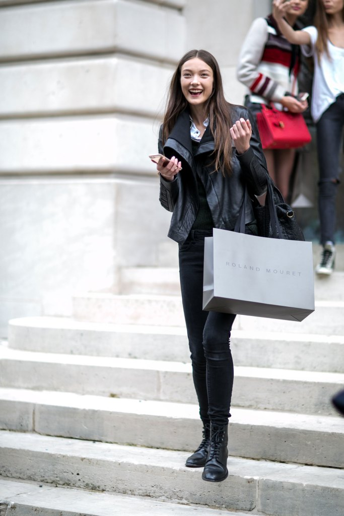 Paris-fashion-week-street-style-day-6-october-2015-the-impression-047