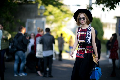 Paris-fashion-week-street-style-day-6-october-2015-the-impression-067