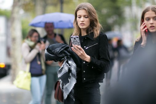 Paris-fashion-week-street-style-day-7-october-15-the-impression-13