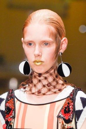 Prada-spring-2016-runway-beauty-fashion-show-the-impression-029