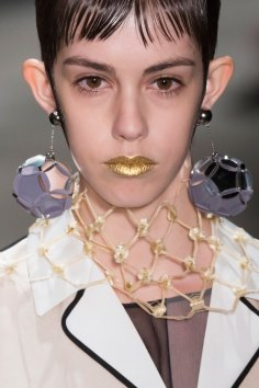 Prada-spring-2016-runway-beauty-fashion-show-the-impression-056