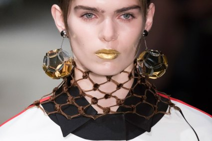 Prada-spring-2016-runway-beauty-fashion-show-the-impression-060