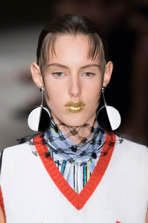 Prada-spring-2016-runway-beauty-fashion-show-the-impression-120