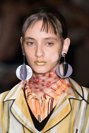 Prada-spring-2016-runway-beauty-fashion-show-the-impression-122