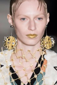 Prada-spring-2016-runway-beauty-fashion-show-the-impression-140