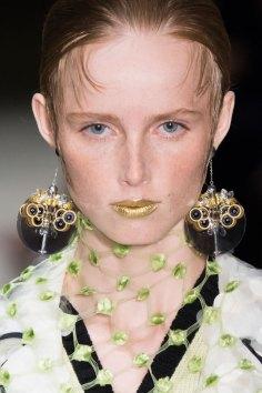 Prada-spring-2016-runway-beauty-fashion-show-the-impression-142