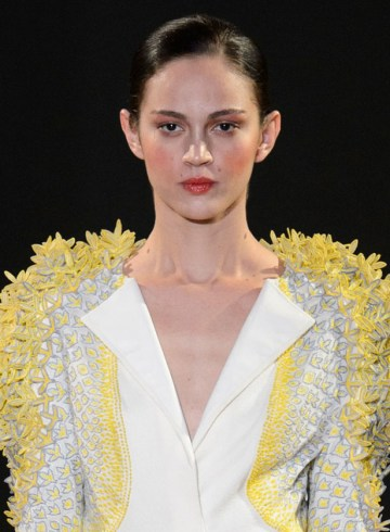 RAHUL MISHRA Spring 2016 Fashion Show Photo