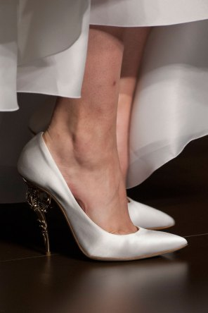 RALPH-and-RUSSO-close-ups-fall-2015-couture-the-impression-019