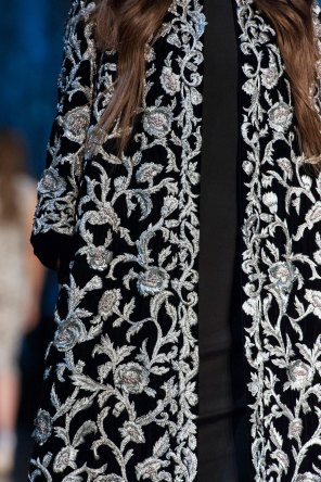 RALPH-and-RUSSO-close-ups-fall-2015-couture-the-impression-045