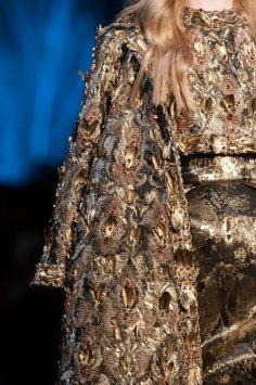RALPH-and-RUSSO-close-ups-fall-2015-couture-the-impression-066