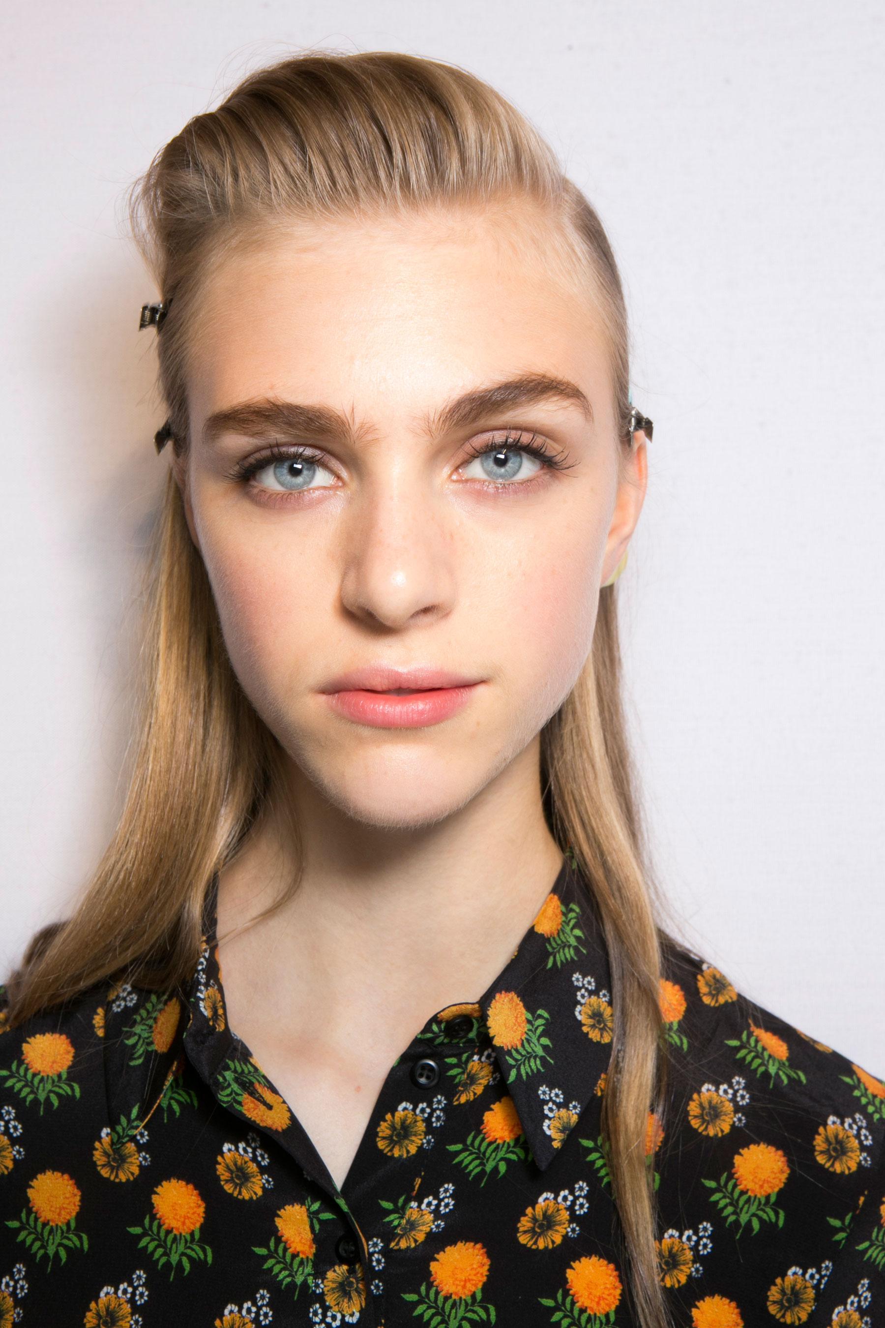 Roberto-Cavalli-Backstage-beauty-spring-2016-close-up-fashion-show-the-impression-013