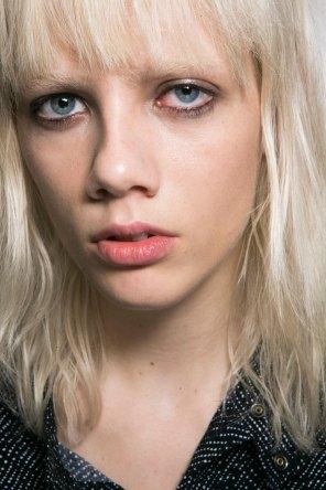 Roberto-Cavalli-Backstage-beauty-spring-2016-close-up-fashion-show-the-impression-024