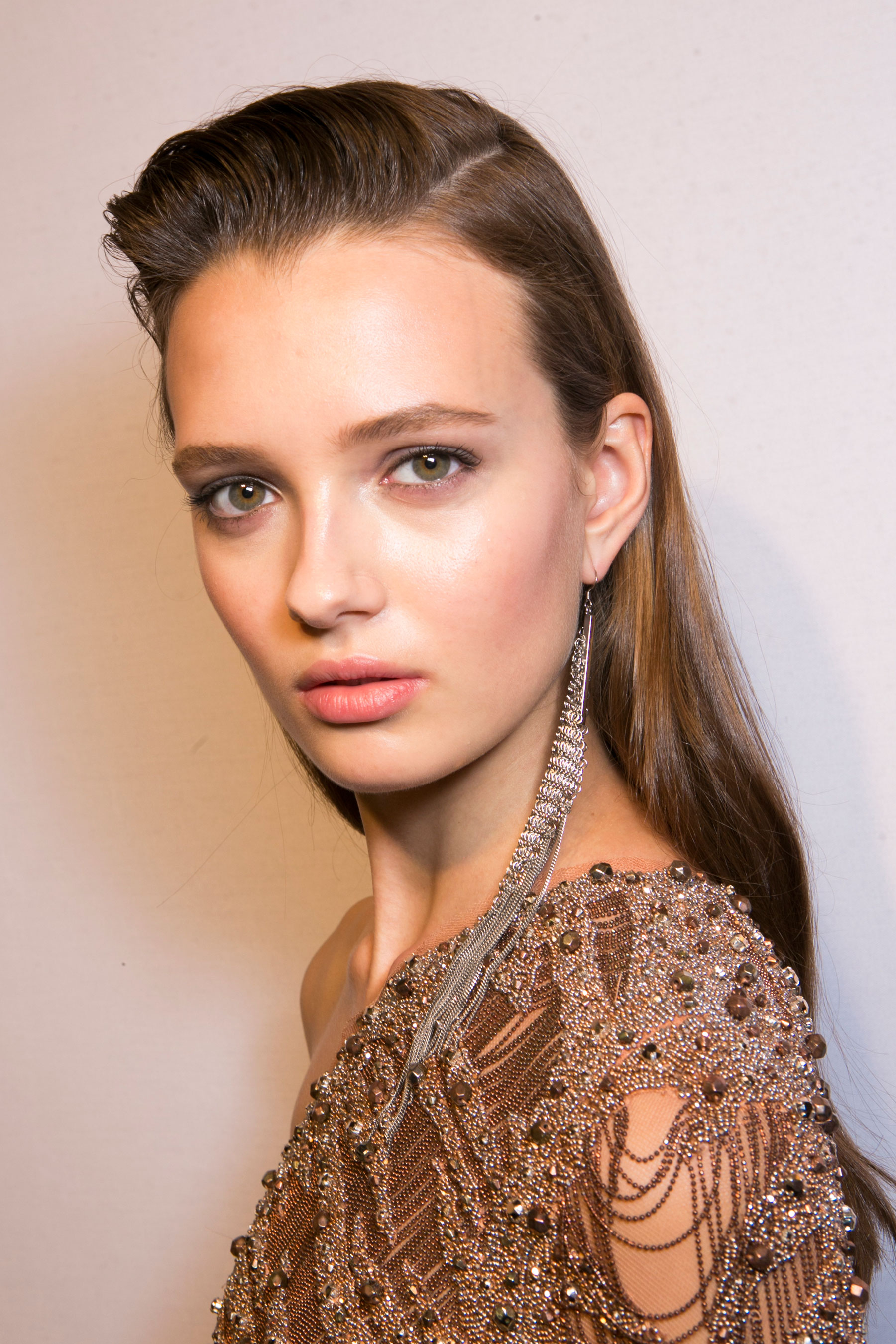 Roberto-Cavalli-Backstage-beauty-spring-2016-close-up-fashion-show-the-impression-037