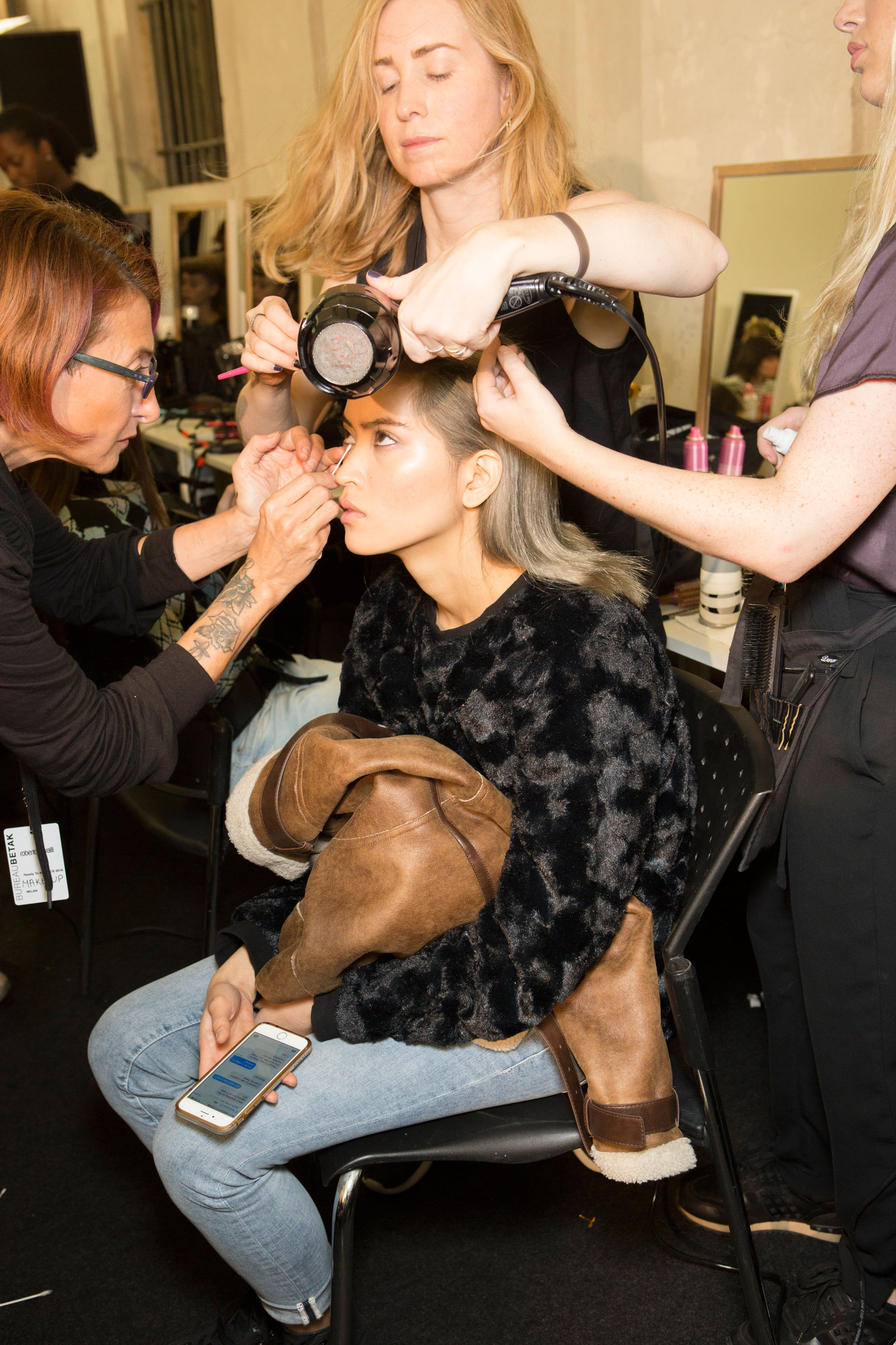 Roberto-Cavalli-Backstage-beauty-spring-2016-close-up-fashion-show-the-impression-069