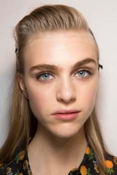 Roberto-Cavalli-Backstage-beauty-spring-2016-close-up-fashion-show-the-impression-093