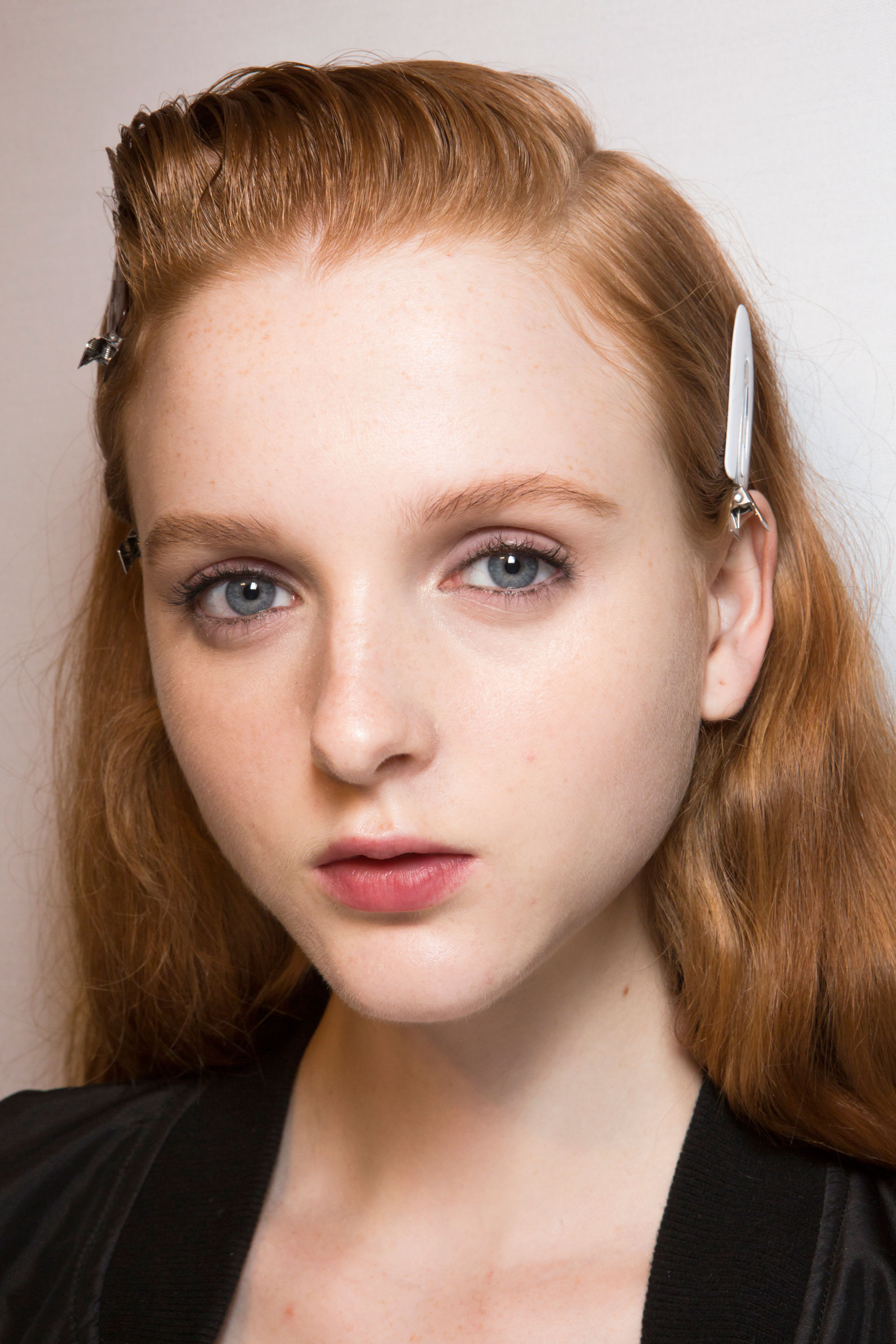 Roberto-Cavalli-Backstage-beauty-spring-2016-close-up-fashion-show-the-impression-096