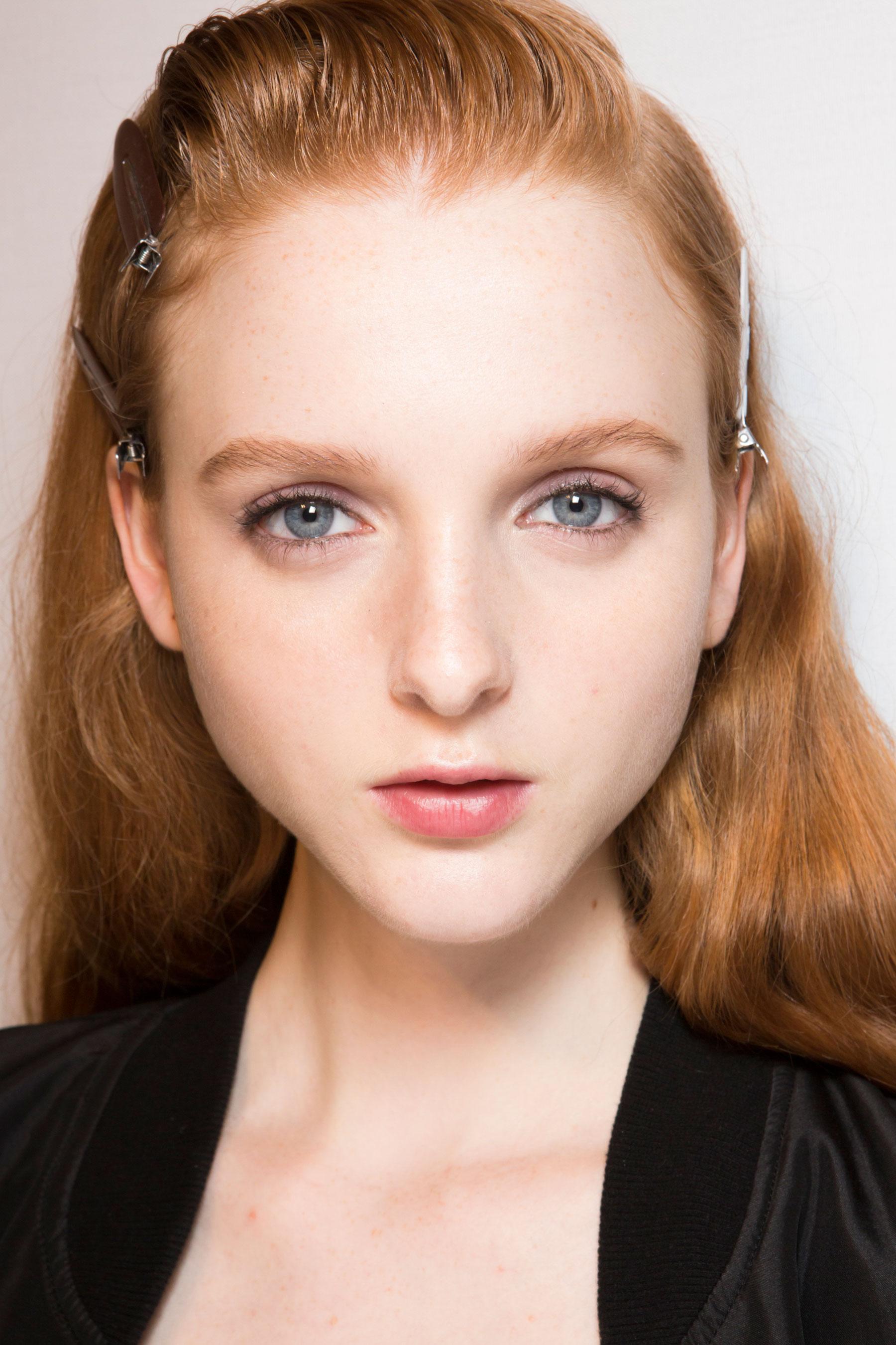 Roberto-Cavalli-Backstage-beauty-spring-2016-close-up-fashion-show-the-impression-099