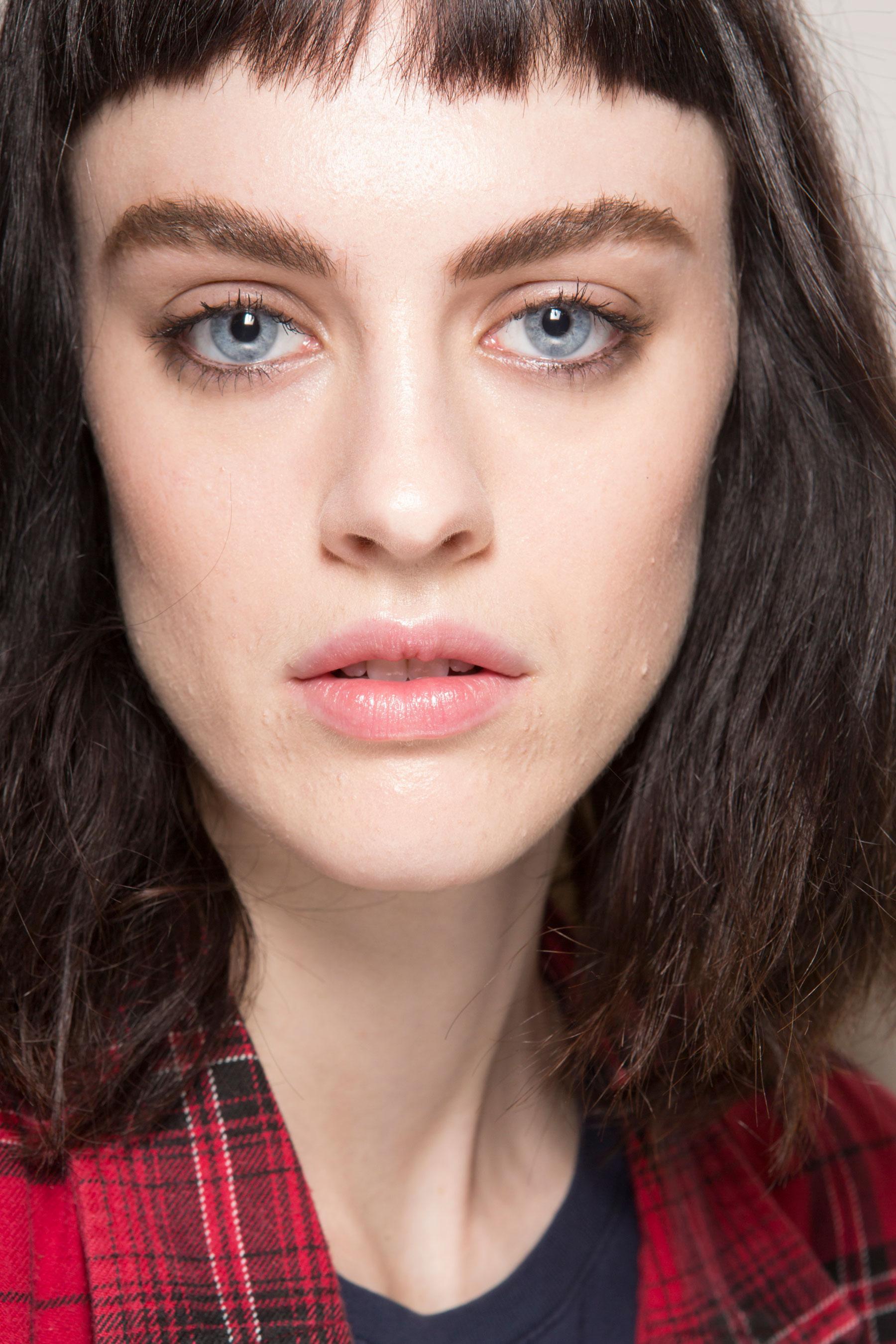 Roberto-Cavalli-Backstage-beauty-spring-2016-close-up-fashion-show-the-impression-110