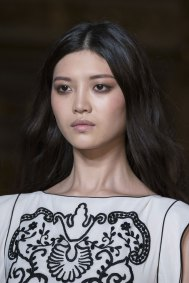 Roccobarocco-spring-2016-runway-beauty-fashion-show-the-impression-04