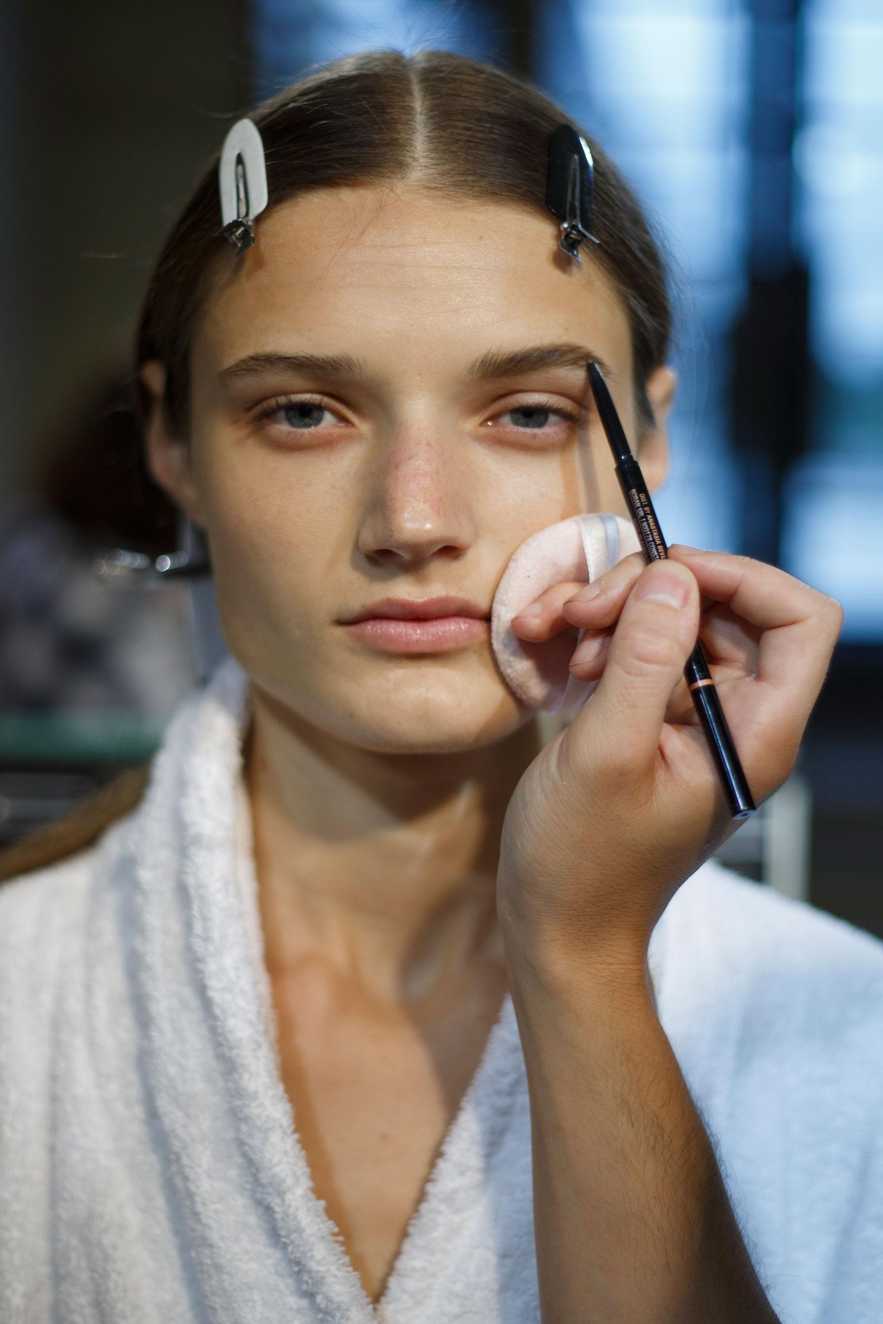Sacai-spring-2016-beauty-fashion-show-the-impression-06