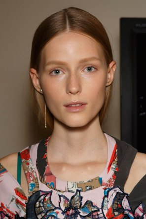 Sacai-spring-2016-beauty-fashion-show-the-impression-66