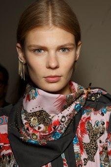 Sacai-spring-2016-beauty-fashion-show-the-impression-69