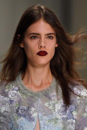 Shiatzy-Chen-spring-2016-runway-beauty-fashion-show-the-impression-30