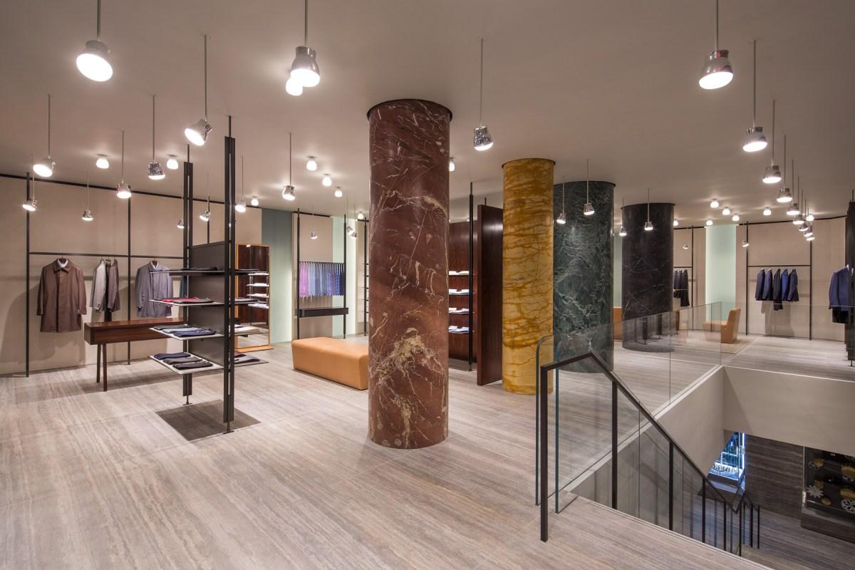 Fashion retailing a multichannel approach 83