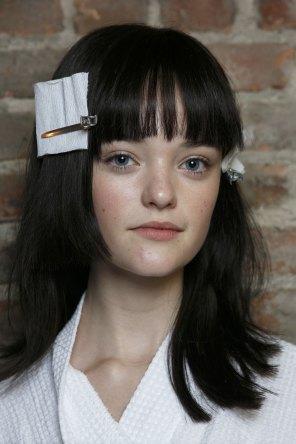 Vera-Wang-backstage-beauty-spring-2016-fashion-show-the-impression-06