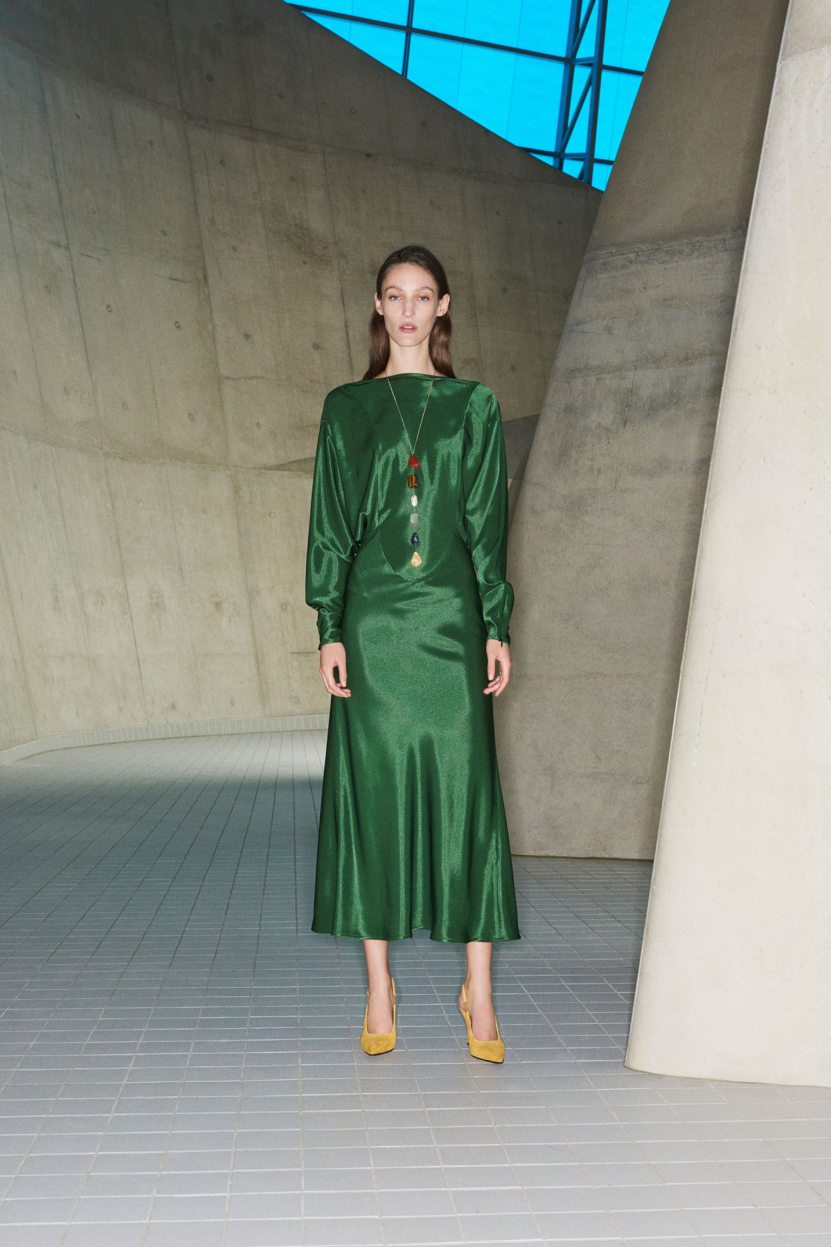 victoria beckham prefall 2018 lookbook the impression