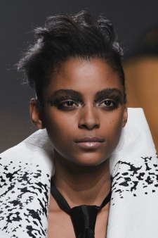 aganovich-spring-2016-runway-beauty-fashion-show-the-impression-05