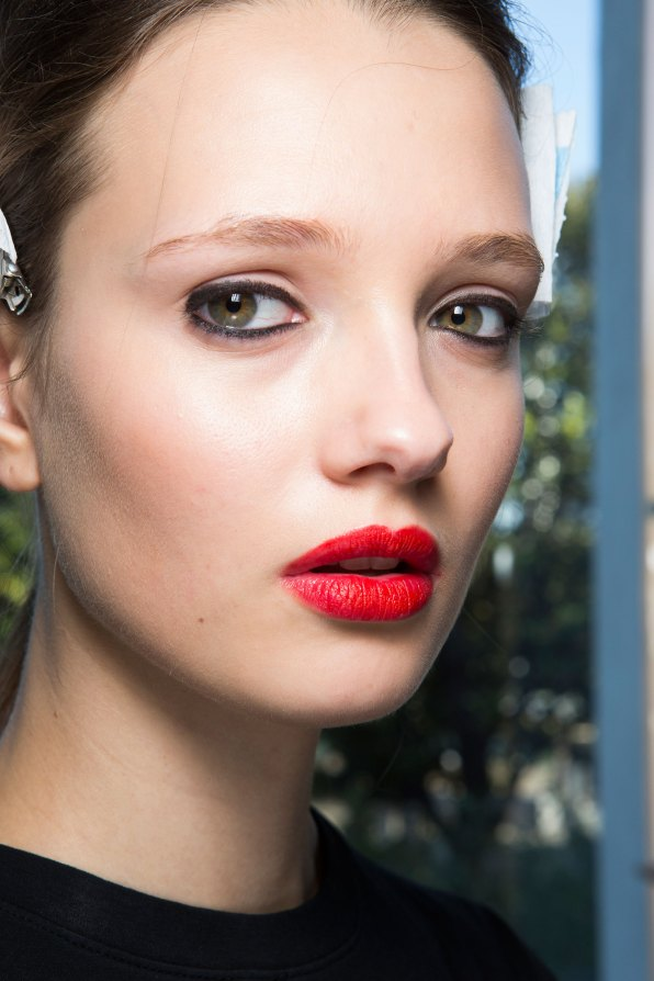 anthony-vaccarello-spring-2016-beauty-fashion-show-the-impression-03