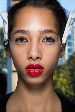 anthony-vaccarello-spring-2016-beauty-fashion-show-the-impression-06