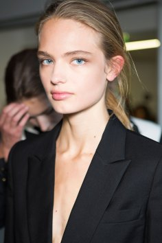 anthony-vaccarello-spring-2016-beauty-fashion-show-the-impression-28
