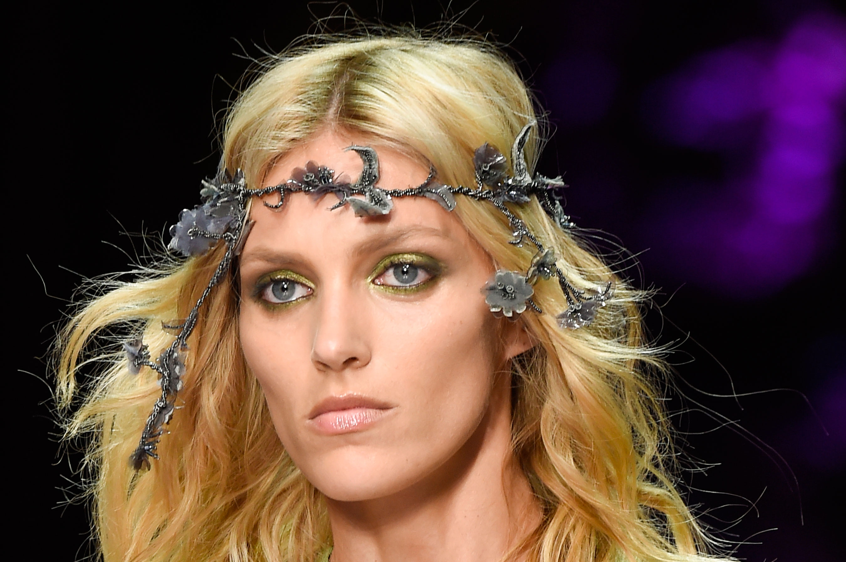 atelier-versace-close-ups-fall-2015-couture-the-impression-033