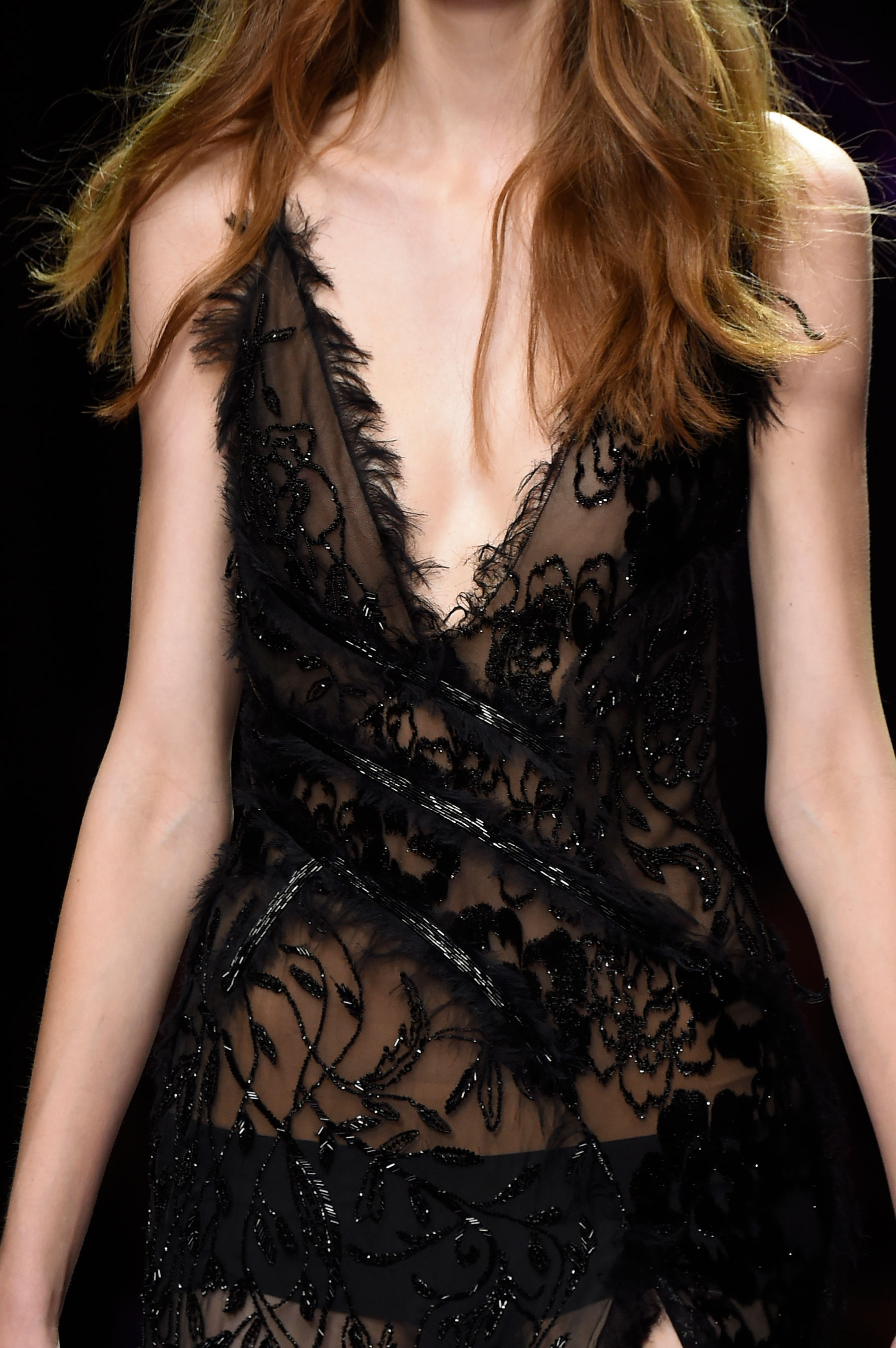atelier-versace-close-ups-fall-2015-couture-the-impression-147