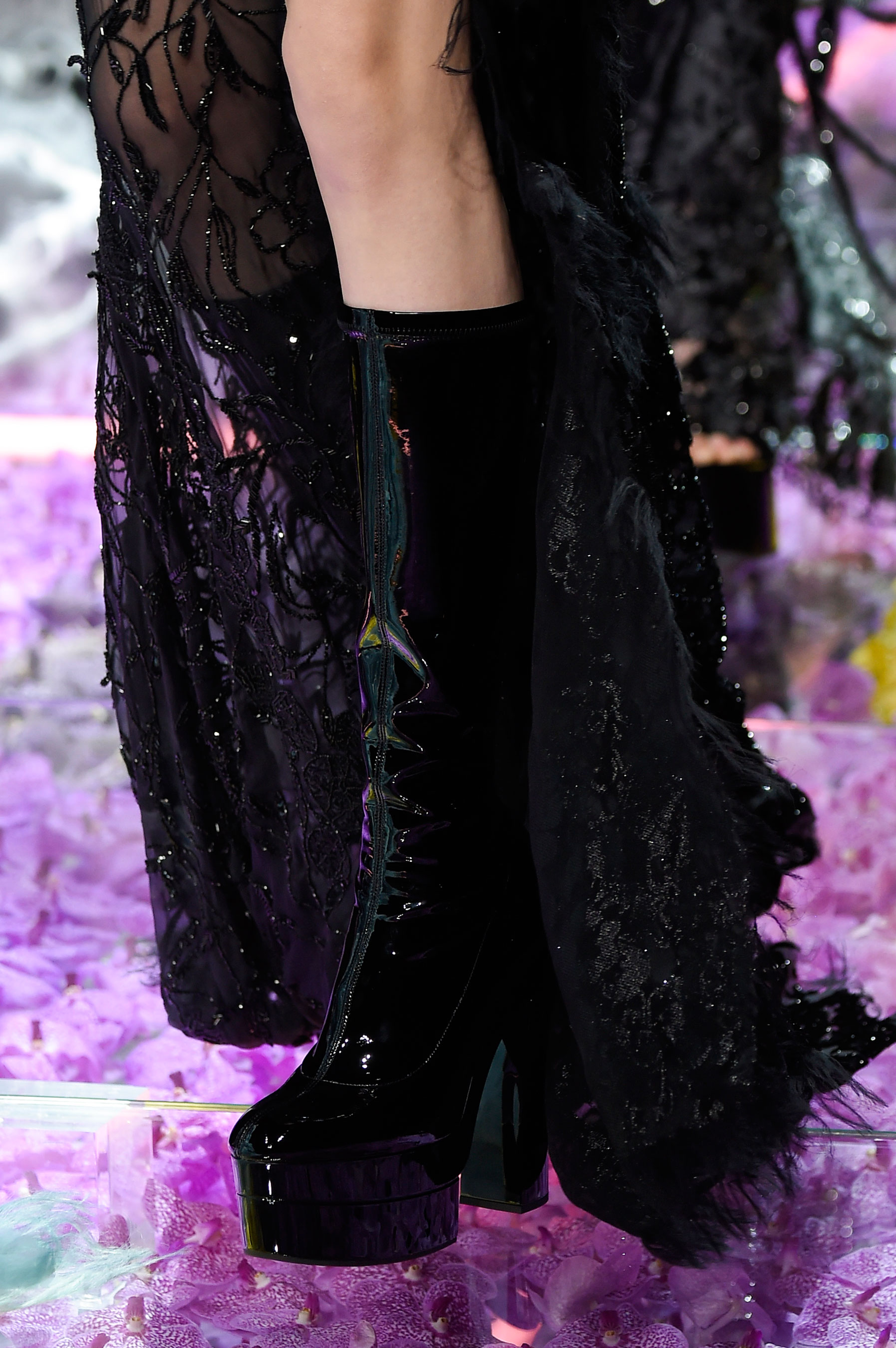 atelier-versace-close-ups-fall-2015-couture-the-impression-225