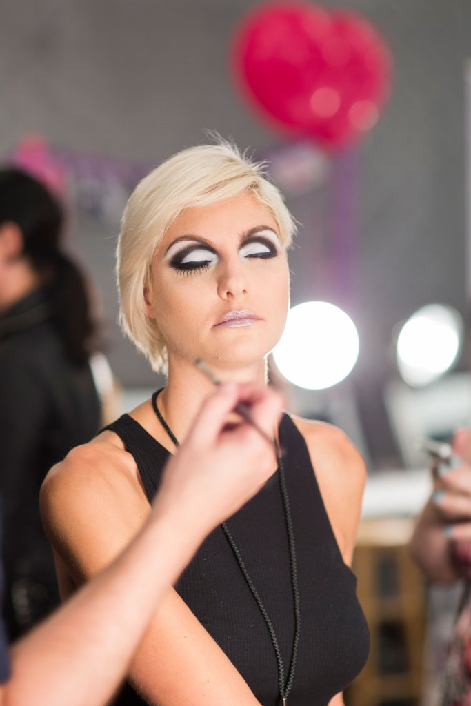 betsey-johnson-beauty-backstage-spring-2016-fashion-show-the-impression-07