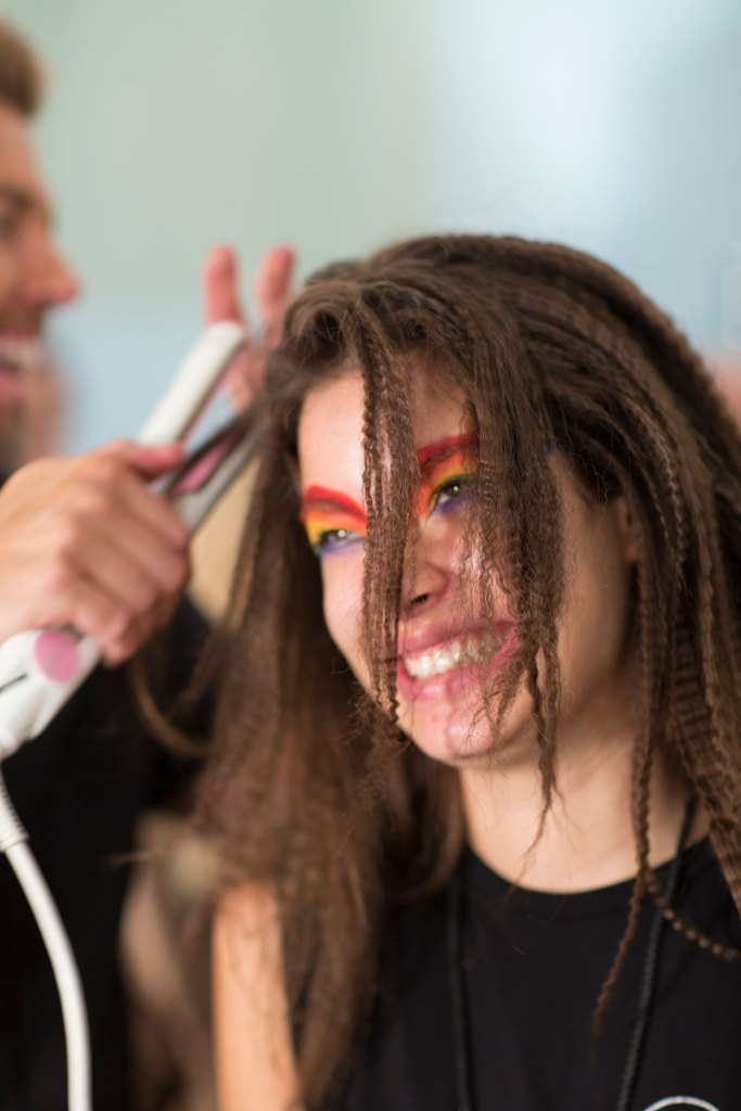 betsey-johnson-beauty-backstage-spring-2016-fashion-show-the-impression-09