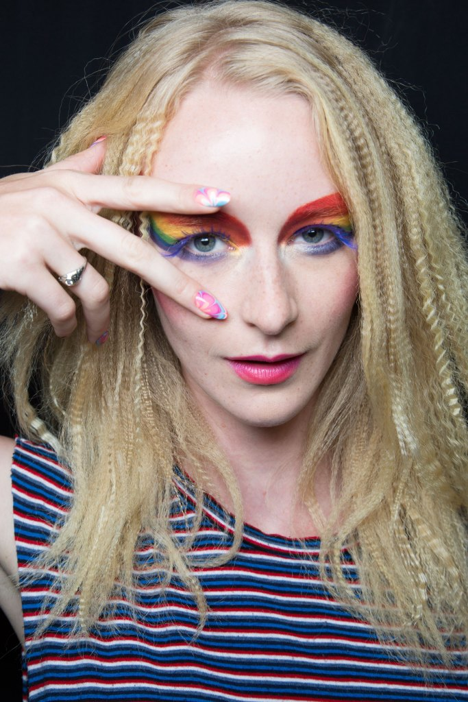 betsey-johnson-beauty-backstage-spring-2016-fashion-show-the-impression-22