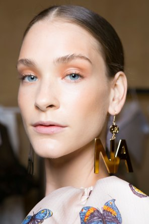 blugirl-spring-2016-beauty-fashion-show-the-impression-13