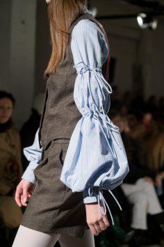 Veronique Branquinho Fall 2017 Fashion Show Details