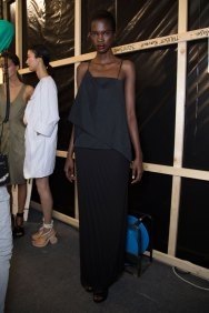 chalayan-spring-2016-backstage-fashion-show-the-impression-12