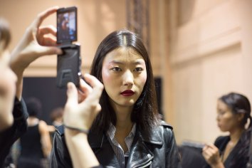 chalayan-spring-2016-beauty-fashion-show-the-impression-01