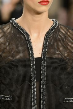 chanel-close-ups-fall-2015-couture-show-the-impression-043
