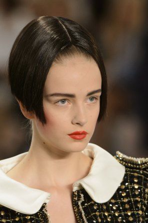 chanel-close-ups-fall-2015-couture-show-the-impression-075