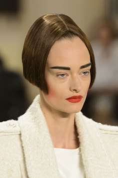 chanel-close-ups-fall-2015-couture-show-the-impression-100