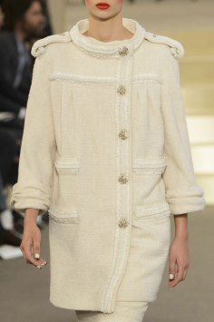 chanel-close-ups-fall-2015-couture-show-the-impression-103